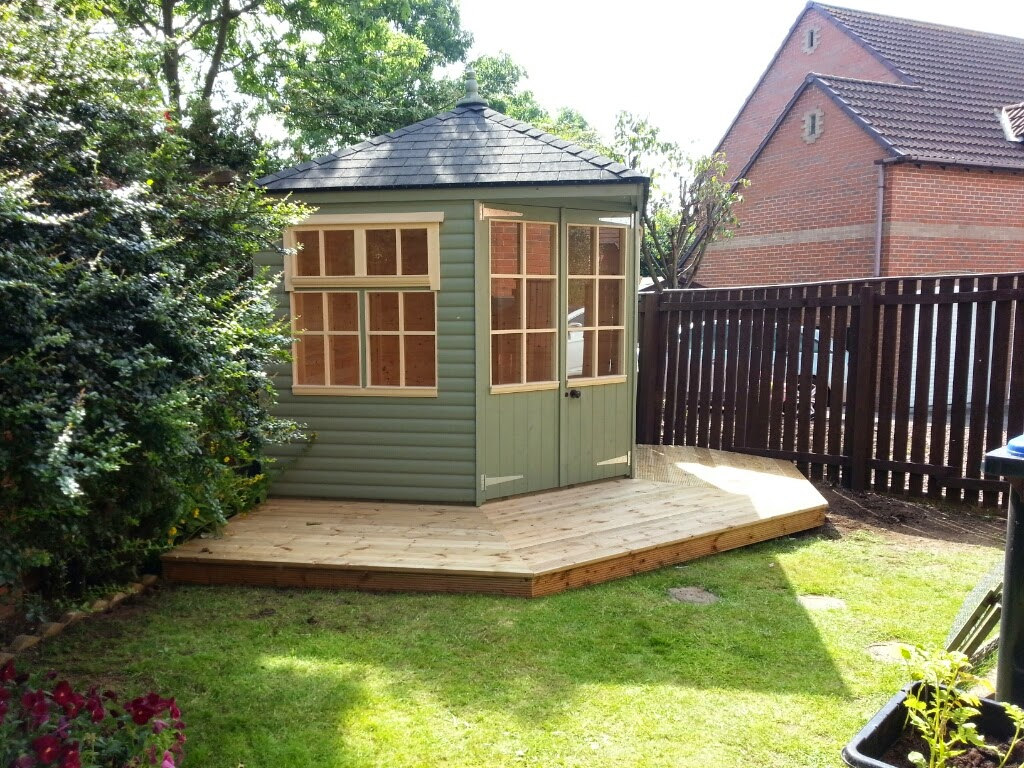 Corner summerhouses apex timber buildings for Garden room definition