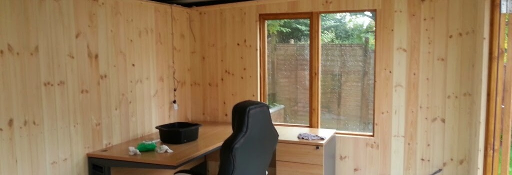 Home office with internal cladding