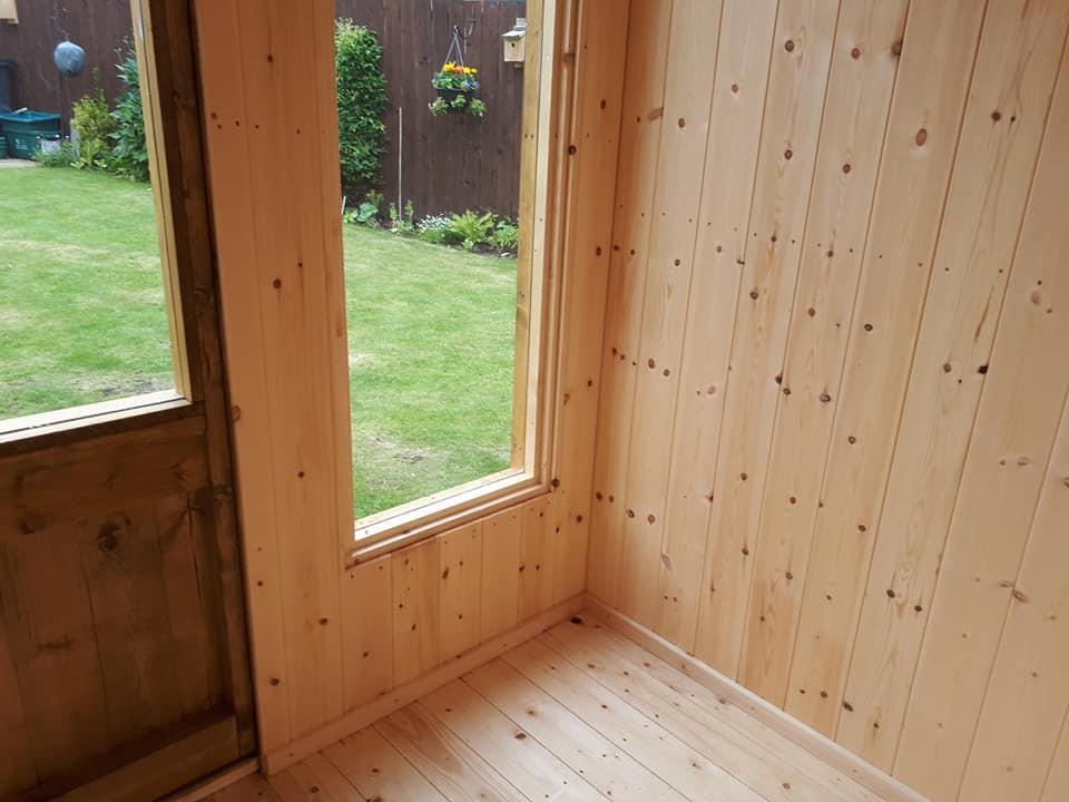 Garden rooms studios home offices apex timber buildings for Garden room flooring